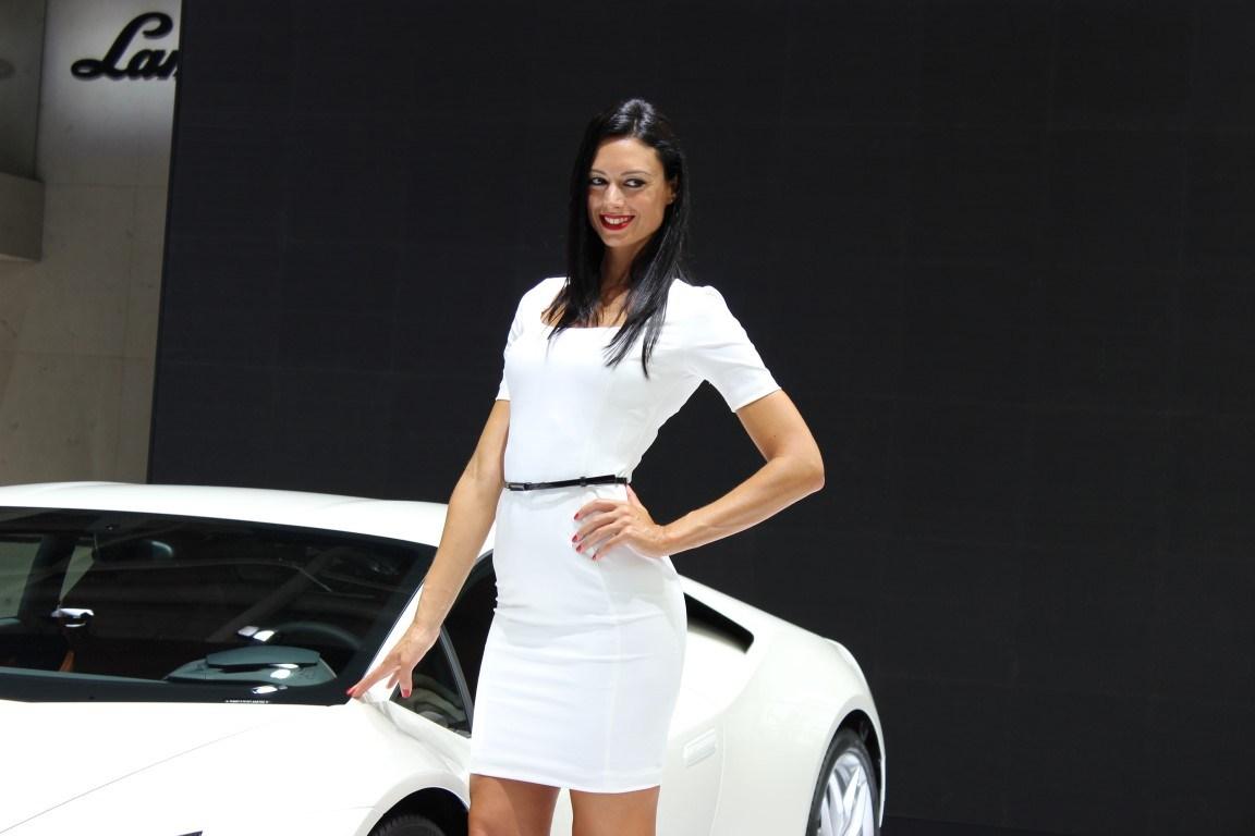 Les H 244 Tesses Du Mondial De L Auto 2014
