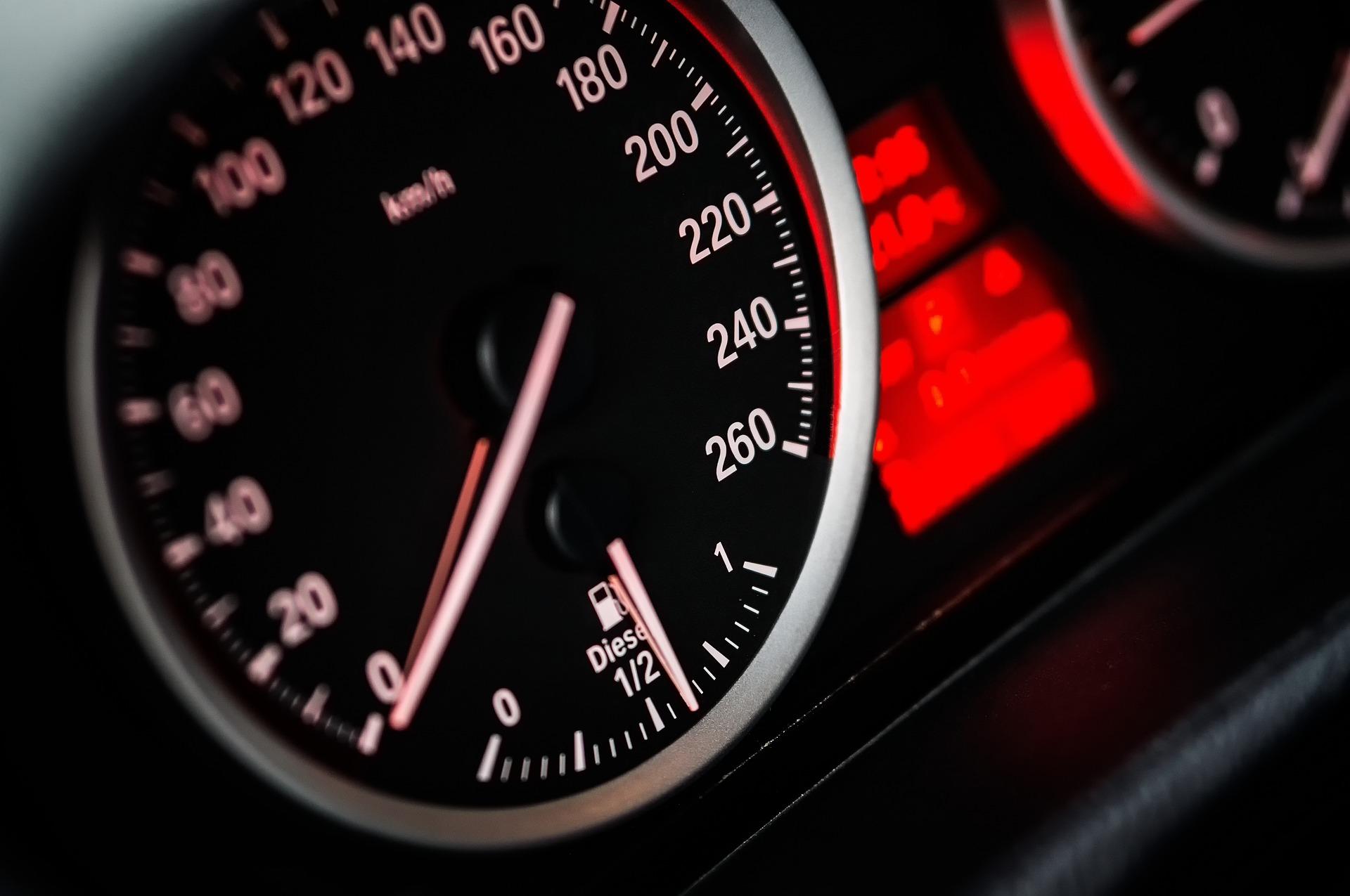 Assurance auto : résiliation du contrat par l'assuré